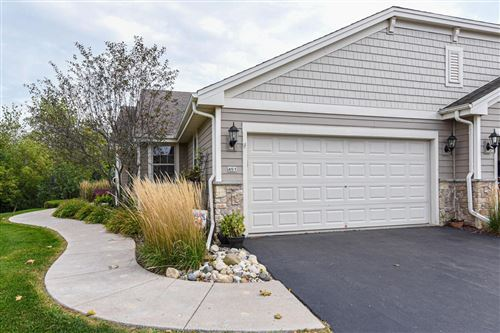 Photo of 451 Woodfield Cir, Waterford, WI 53185 (MLS # 1711384)