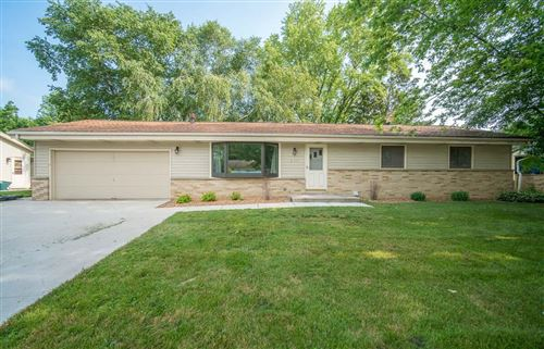 Photo of 246 Green Valley Pl, West Bend, WI 53095 (MLS # 1753384)