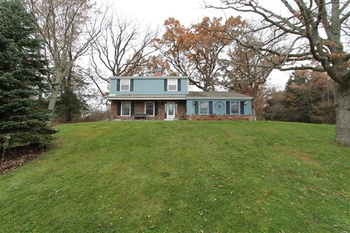 Photo of 25812 Malchine Rd, Waterford, WI 53185 (MLS # 1668386)