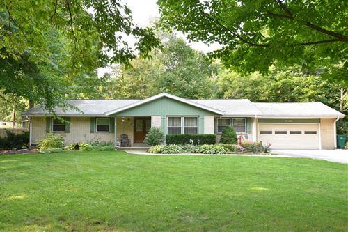 Photo of N115W19979 Woodland Dr, Germantown, WI 53022 (MLS # 1717387)