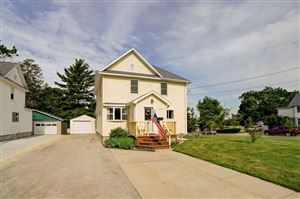 Photo of 420 Declark St, Beaver Dam, WI 53916 (MLS # 1861392)