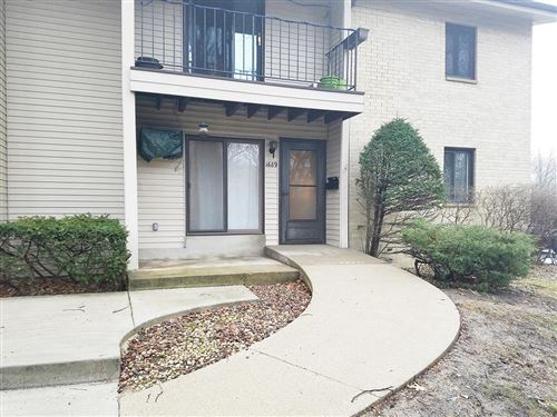 Photo of 1689 S Coachlight Dr, New Berlin, WI 53151 (MLS # 1693397)