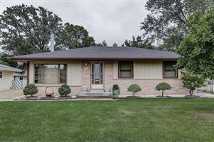 Photo of 6309 W Leroy Ave, Greenfield, WI 53220 (MLS # 1658398)