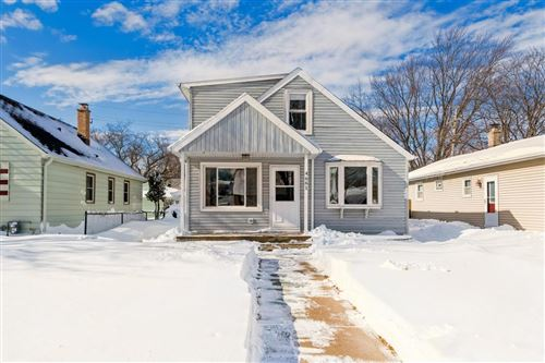 Photo of 4661 S 50th St, Greenfield, WI 53220 (MLS # 1726398)