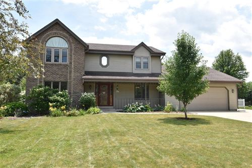 Photo of S67W18877 Tans Dr, Muskego, WI 53150 (MLS # 1751398)