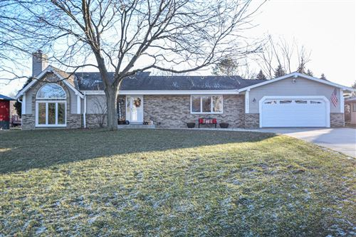 Photo of 26011 Barberry Ln, Waterford, WI 53185 (MLS # 1670402)