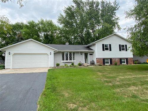 Photo of 623 W Estate Ct, Elkhorn, WI 53121 (MLS # 1752404)