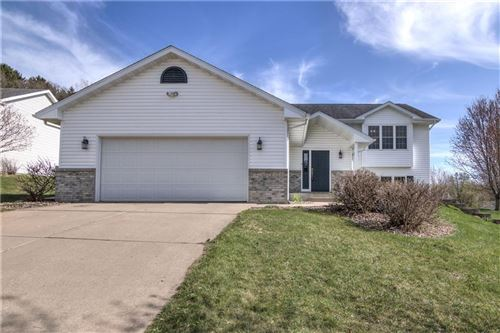 Photo of 1665 MOONLIT DR, RICHFIELD, WI 53076 (MLS # 1552407)