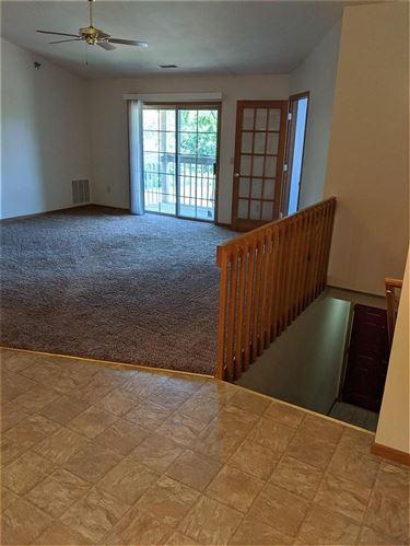 Photo of 135 W Oak Leaf Dr #11, Oak Creek, WI 53154 (MLS # 1695412)