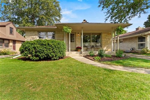 Photo of 10212 W Feerick, Wauwatosa, WI 53222 (MLS # 1711416)