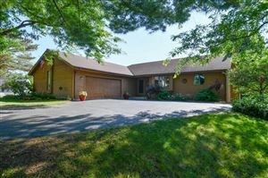 Photo of 527 Gwilym Ct, Wales, WI 53183 (MLS # 1648417)