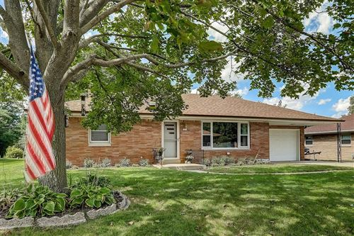 Photo of 7830 W Allerton Ave, Greenfield, WI 53220 (MLS # 1708420)