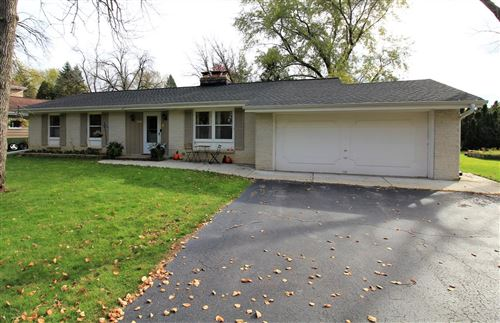 Photo of 26815 Lakeview Dr, Waterford, WI 53185 (MLS # 1665421)