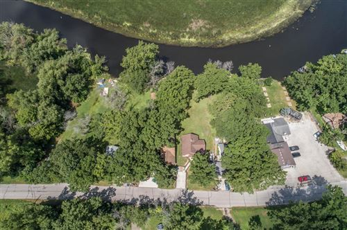 Photo of 8318 Fox River Rd, Waterford, WI 53185 (MLS # 1696422)