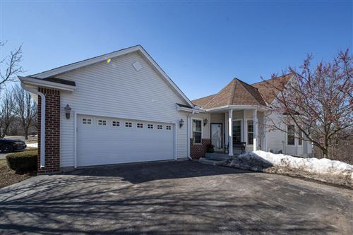 Photo of 836 Timber Ridge Dr, Waukesha, WI 53189 (MLS # 1729424)