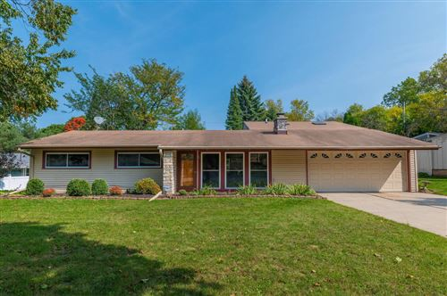 Photo of 4634 N Parkside Dr, Wauwatosa, WI 53225 (MLS # 1711426)