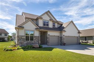 Photo of 7989 S River Ct, Franklin, WI 53132 (MLS # 1646427)