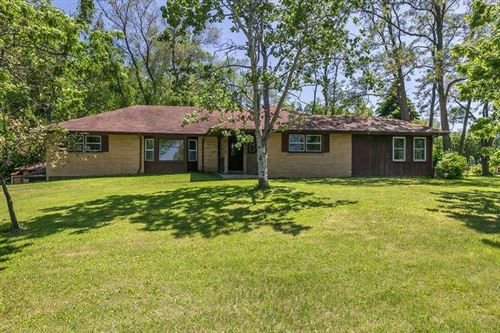 Photo of 35025 Geneva Rd, Burlington, WI 53105 (MLS # 1682427)