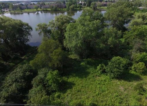 Photo of 2 Rosewood Ln, Jackson, WI 53037 (MLS # 1706430)