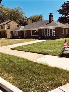 Photo of 539 Elm Ave, South Milwaukee, WI 53172 (MLS # 1657432)