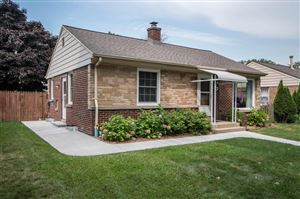 Photo of 4925 N Iroquois Ave, Glendale, WI 53217 (MLS # 1659434)