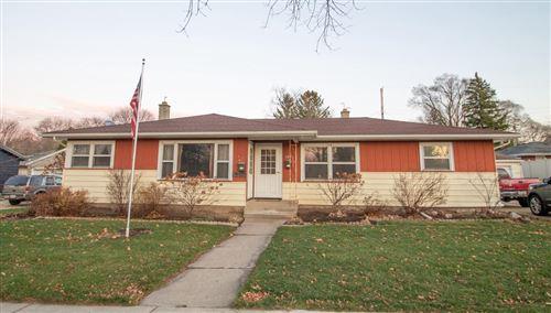 Photo of 609 N Moreland Blvd #611, Waukesha, WI 53188 (MLS # 1719434)