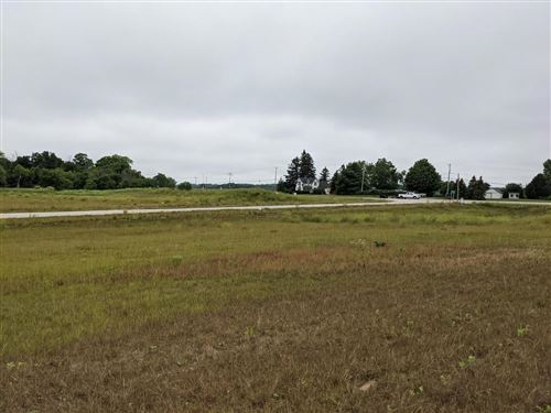 Photo of Lt1 Yorkville Meadows Ct, Union Grove, WI 53182 (MLS # 1730434)