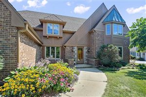 Photo of 2729 W Woodfield Dr, Mequon, WI 53092 (MLS # 1654439)