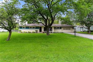 Photo of 9006 N Rexleigh Dr, Bayside, WI 53217 (MLS # 1644443)