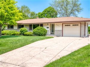 Photo of 6024 Middleton Ct S, Greendale, WI 53129 (MLS # 1647446)