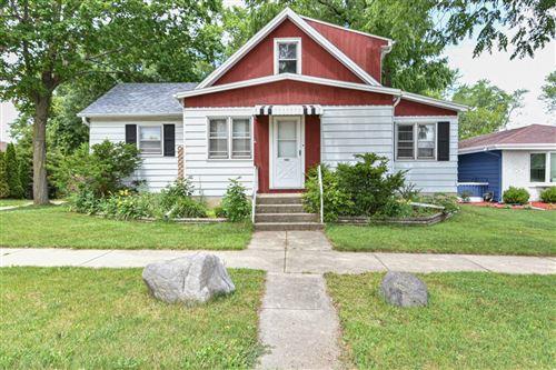 Photo of 1802 Drexel Blvd, South Milwaukee, WI 53172 (MLS # 1749446)