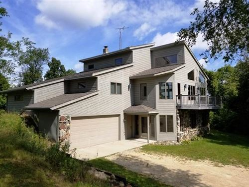 Photo of N8418 County Road P, Whitewater, WI 53190 (MLS # 1658447)