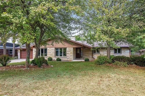 Photo of 2120 W Woodbury Ln, Glendale, WI 53209 (MLS # 1705448)