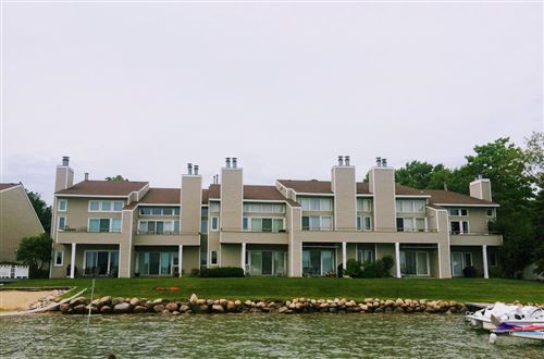 Photo of 512 Bay View Ave #10, Twin Lakes, WI 53181 (MLS # 1679450)