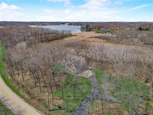 Photo of 28600 Gawin Dr, Waterford, WI 53185 (MLS # 1751456)