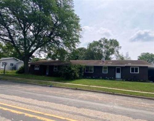 Photo of 1017 Vandenburg St, Sun Prairie, WI 53590 (MLS # 1915459)