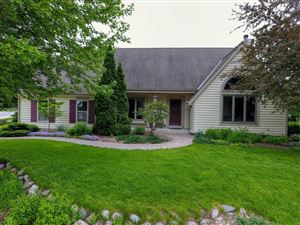 Photo of W241N5923 Goldencrest Ct, Sussex, WI 53089 (MLS # 1645470)
