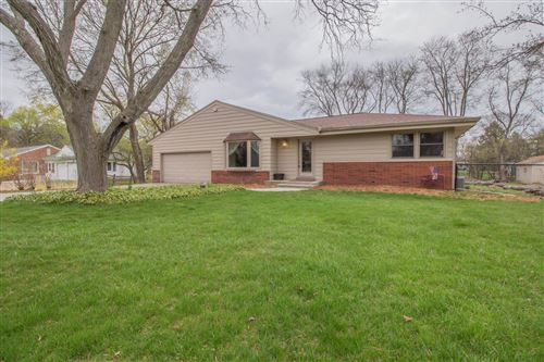 Photo of 11344 N Riverland Rd, Mequon, WI 53092 (MLS # 1735471)
