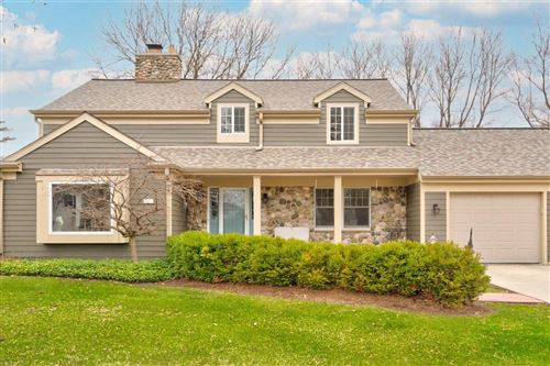 Photo of 10326 N Fontainbleau Ct, Mequon, WI 53092 (MLS # 1729473)
