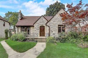 Photo of 231 N Pinecrest St, Milwaukee, WI 53208 (MLS # 1657474)