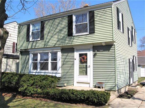 Photo of 4736 N Oakland Ave, Whitefish Bay, WI 53211 (MLS # 1733474)