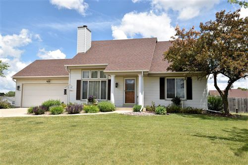 Photo of 28928 Golden Cir, Waterford, WI 53185 (MLS # 1695477)