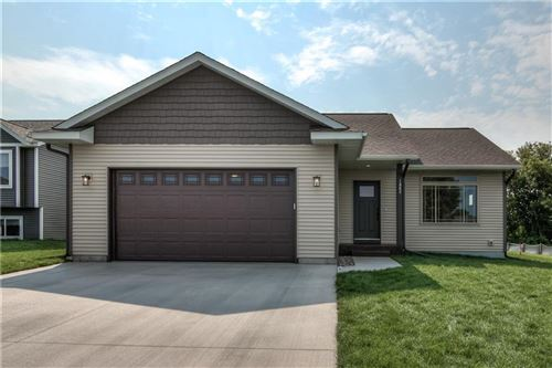 Photo of W330N4211 LAKELAND DR, NASHOTAH, WI 53058 (MLS # 1556479)