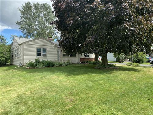 Photo of W271N2546 Pear Tree Ln, Pewaukee, WI 53072 (MLS # 1698479)