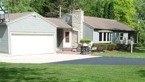 Photo of 405 N Beaumont Ave, Brookfield, WI 53005 (MLS # 1696481)