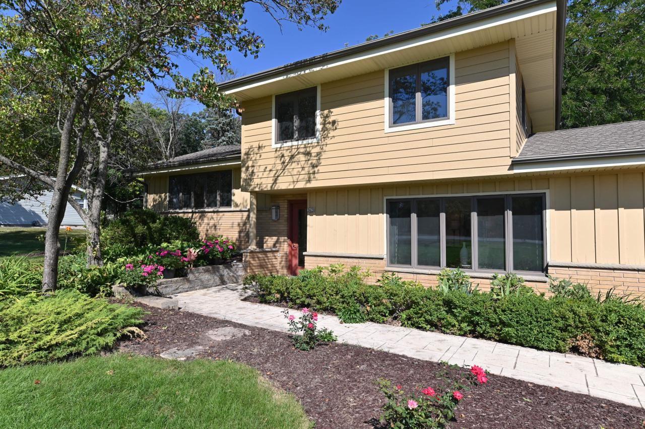 3620 N Calhoun Rd, Brookfield, WI 53005 - MLS#: 1704481