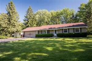 Photo of 408 Prairie View Dr, North Prairie, WI 53153 (MLS # 1641482)