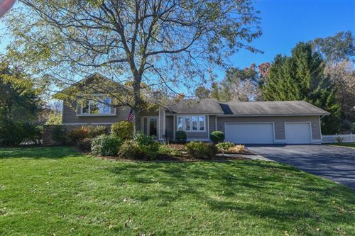 Photo of 895 Timber Pass, Brookfield, WI 53045 (MLS # 1674487)