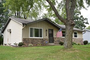 Photo of 143 Merton AVE, Hartland, WI 53029 (MLS # 1664490)