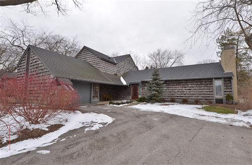 Photo of 158 Lakefield Ct, Wind Point, WI 53402 (MLS # 1673494)